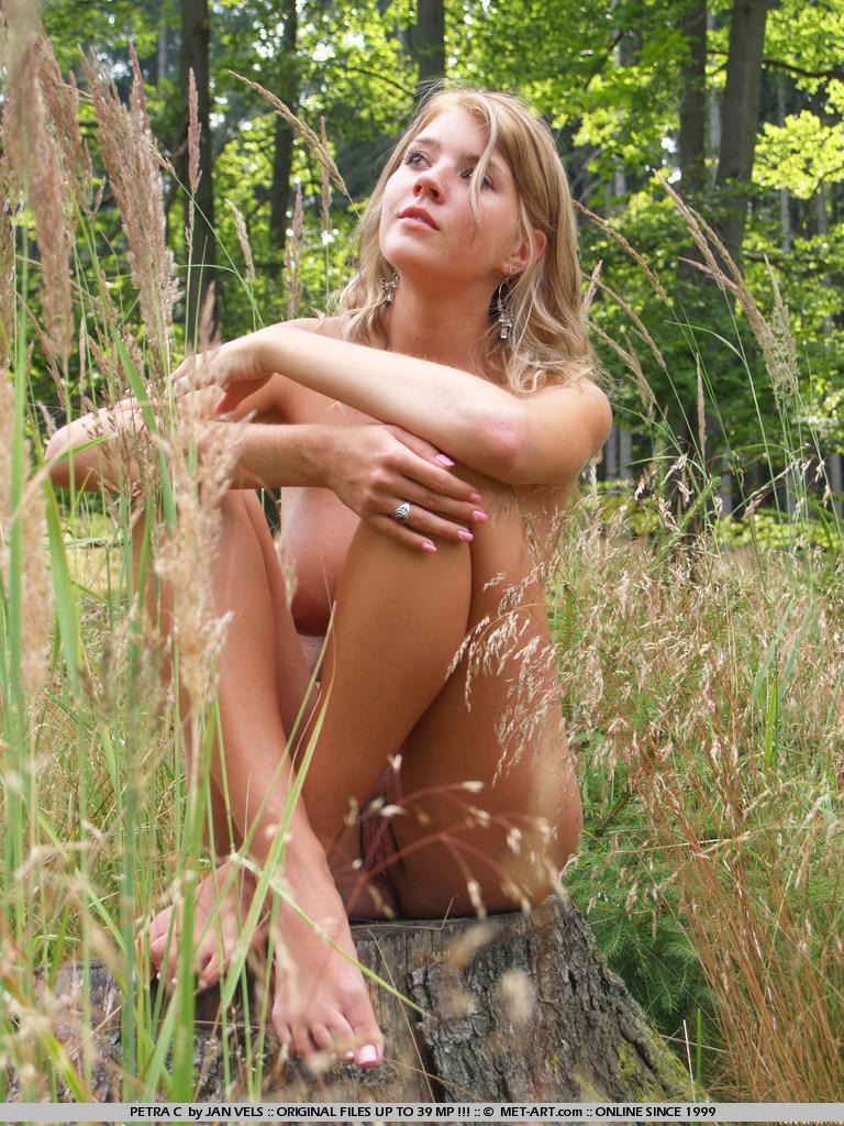 farm girl petra Naked